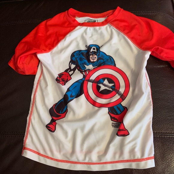 Old Navy Other - Old Navy Marvel collectabilitees rash guard, 4t
